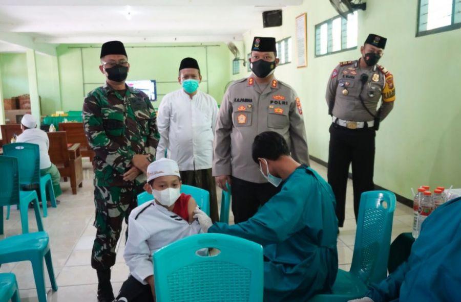 Kapolres Dan Dandim Cek Vaksinasi Massal di At Tanwir