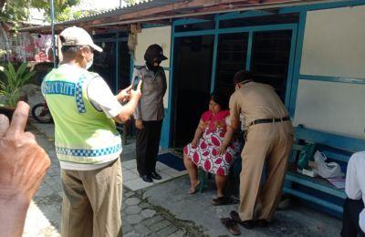 Bhabinkamtibmas Desa Kapas Dampingi Petugas Door to Door Vaksinasi Disabilitas Dan ODGJ