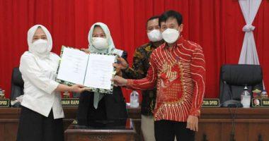 Bupati dan Banggar DPRD Bojonegoro Tanda Tangani Nota Kesepakatan Bersama KUA PPAS P-APBD 2021