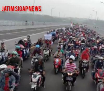 Demonstrasi Akbar Madura Melawan Menuju Kantor Walikota Surabaya