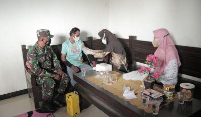 Kodim 0812 Lamongan Bersama Dinkes Vaksinasi warga Lansia dan Bagikan Sembako.