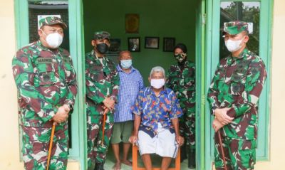 Peringati HUT Ke-76 TNI, Korem 071/Wijayakusuma Vaksinkan Lansia dan Disabilitas Door to Door serta