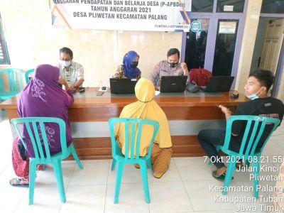 Polsek Palang Buka Gerai Vaksinasi di Enam Desa Dan Dua Sekolah Sebanyak 1274 Dosis