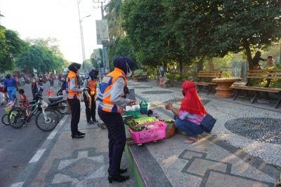 PPKM Darurat di Bojonegoro, Satgas Covid 19 Tertibkan Kegiatan Olah Raga di Alun-alun