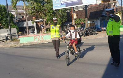 PTM Dibuka, Polisi Mulai Lakukan Pengaturan Arus Lalin