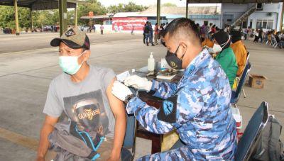 RSAU dr. Siswanto Lanud Smo Kerahkan Nakes Bantu Serbuan Vaksinasi Massal Dan Bakti Sosial TNI-Polr